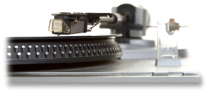 Dollarphotoclub_23600570 turntable